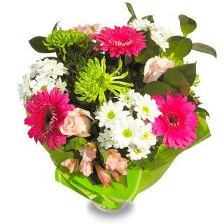 ramo-de-rosas-rosas-gerberas-y-flor-silvestre-1