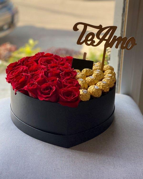 Caja de rosas más chocolates, florerías en Tijuana, envío de flores a domicilio en Tijuana