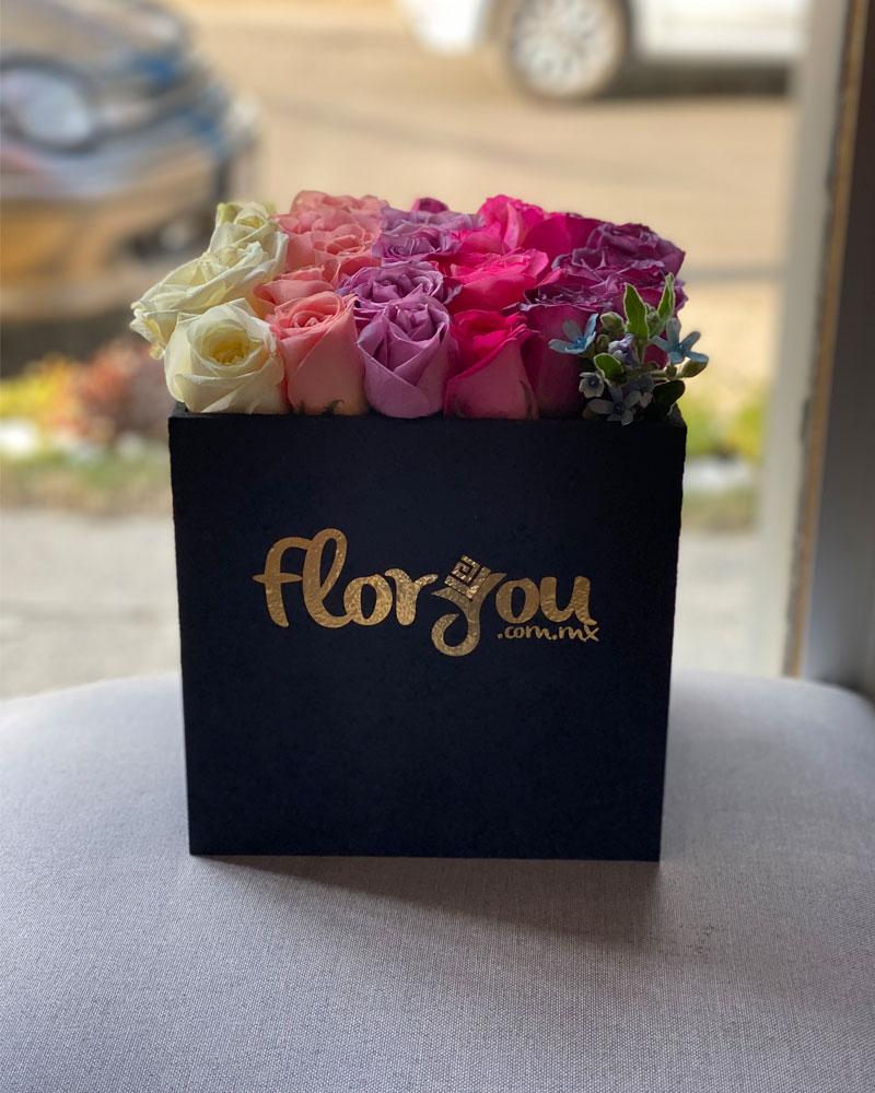 Caja de rosas pastel - Envía flores a domicilio en Tijuana
