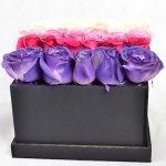 Colores de amor - Caja de rosas pastel
