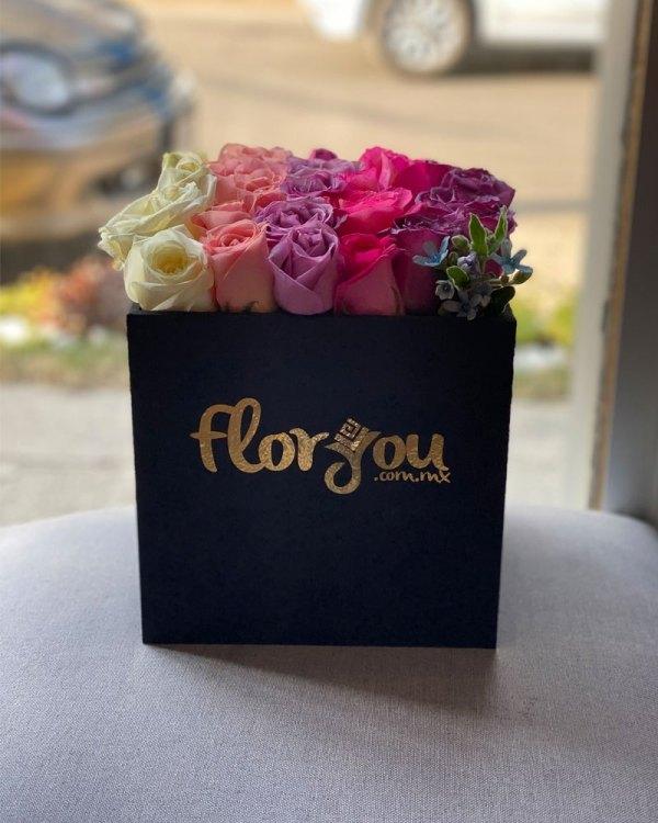 Caja de rosas pastel, Arreglo de flores, Envío de flores en Tijuana