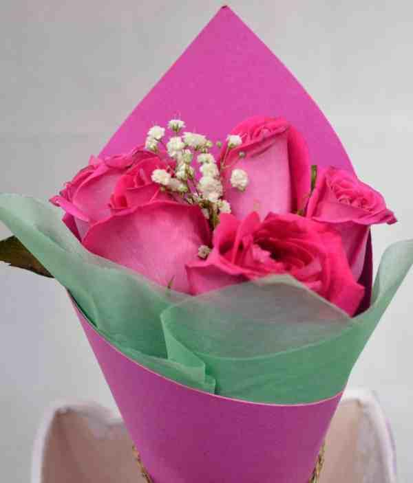 Un verso de amor que describen todo lo que me haces sentir. Amor púrpura. Envía flores y mensajes coquetos con Floryou. Florerías en Pachuca.