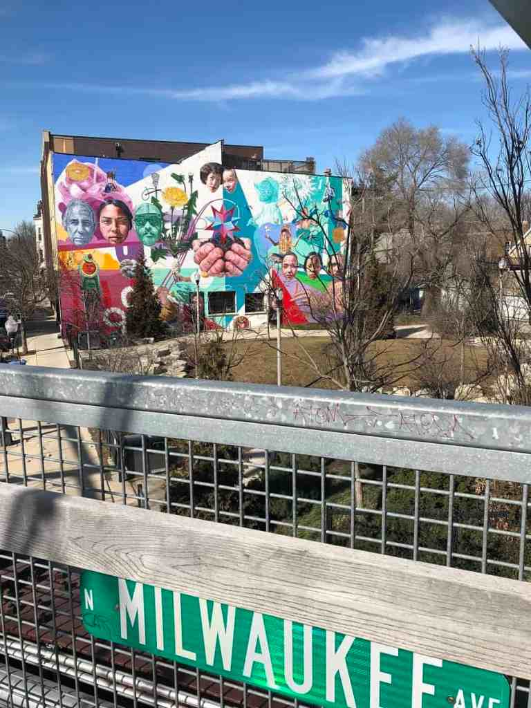 606 Walking trail with mural in Chicago's Wicker Park