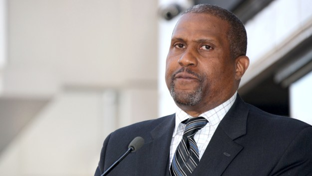 "Tavis Smiley Announces ""The Conversation: Women, Men and the Workplace"" Tour + New Show"