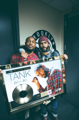 """Power"" Star Omari Hardwick Presents Tank with Gold Plaque for ""When We"" – Details Here!"
