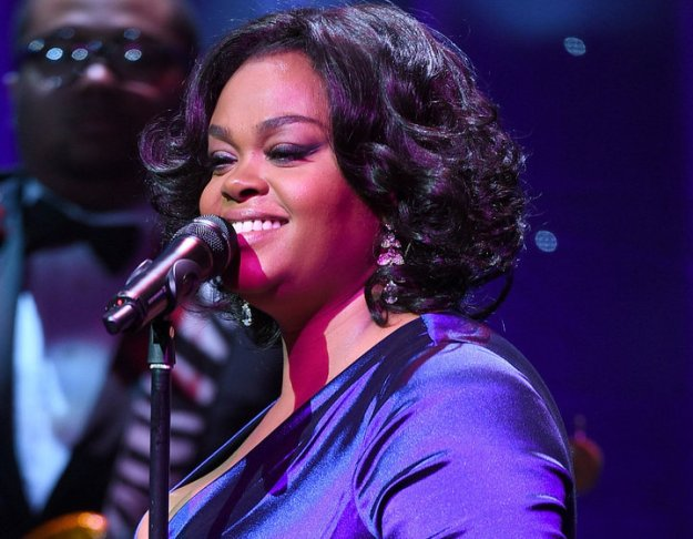 Jill Scott Shows Off Her Oral Sex Skills on Mic During Concert – Watch!