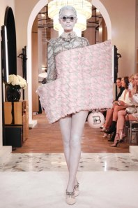 Balmain-Spring-2019-Couture-PFW-Runway-Fashion-18