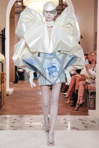Balmain-Spring-2019-Couture-PFW-Runway-Fashion-7 (1)