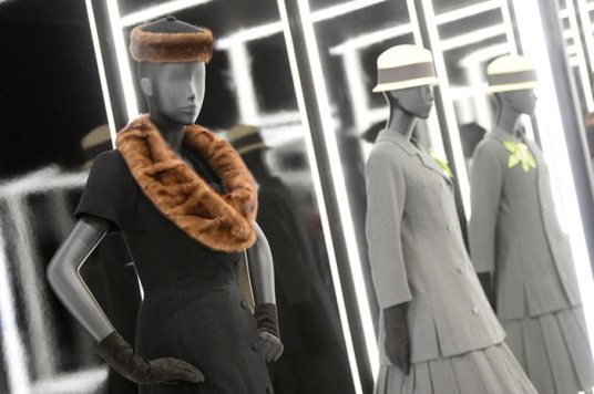 Christian-Dior-Designer-Dreams-Exhibition-11