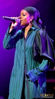 Justine Sky Performance