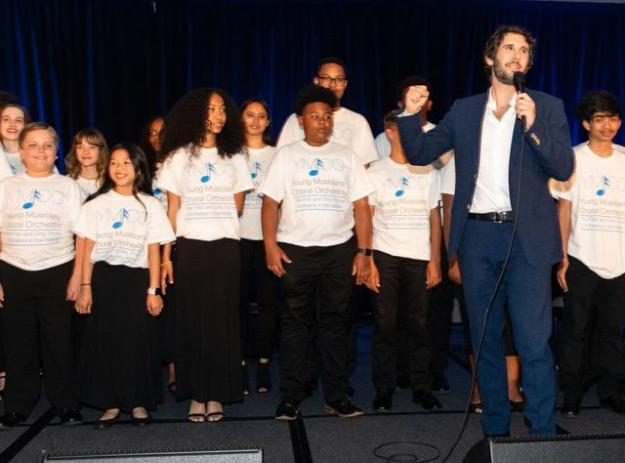 Global Superstar Josh Groban Hosts Fourth Annual Find Your Light Gala To Raise Money For Arts Education