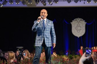 Lee Greenwood performs at 107th Annual First Lady's Luncheon