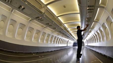 Instalaciones de AEROMAN, la empresa de mantenimiento de aviones, no ha parado de crecer, debido al plan de inversiones en infraestructura y capacitaciÛn de recurso humano. Invertir·n 60 millones de dÛlares en la construcciÛn de dos hangares.