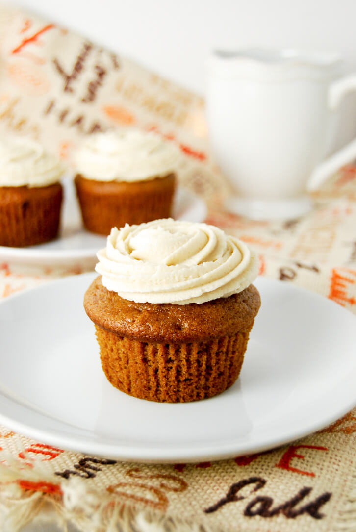 Pumpkin Apple Cupcakes - the perfect fall treat
