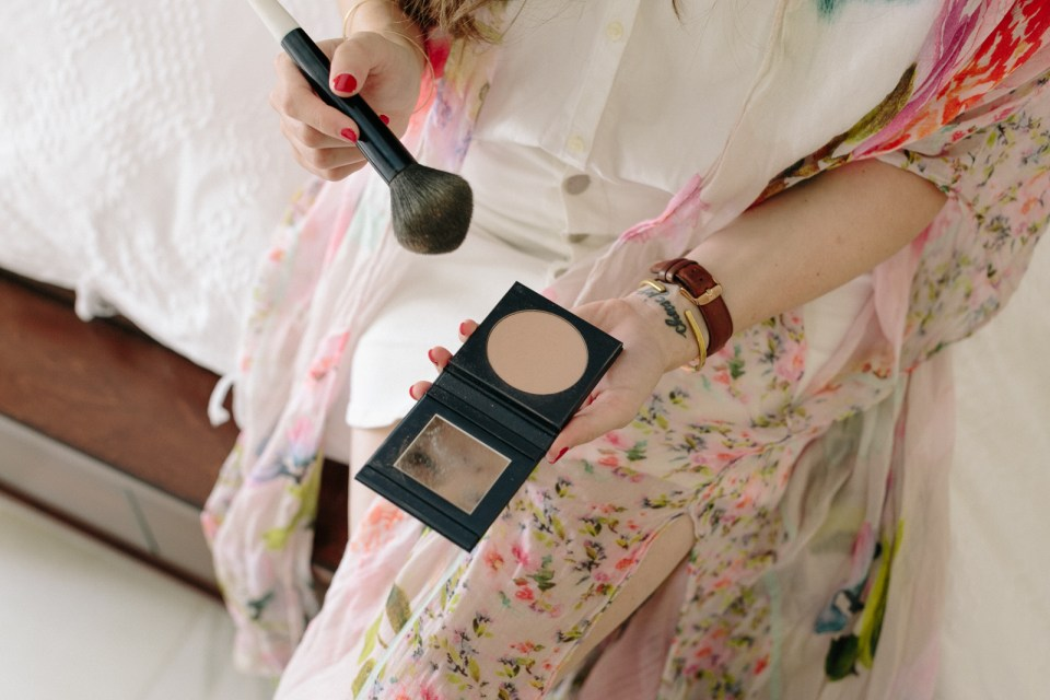Why Safer Makeup Matters: Heavy Metals, Hormone Disruption and Other Things They're Not Telling You | Flourish Blog