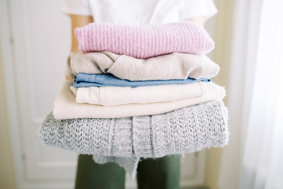Natural-and-Sustainable-Clothing-Fabrics-to-Look-For-Which-to-Avoid