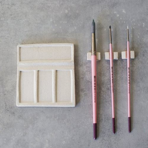 Brush rest and palette