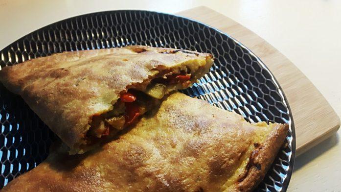 Pizza calzone koolhydraatarm - flowcarbfood.nl
