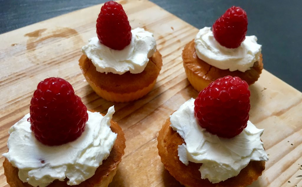 Koolhydraatarme frambozen cupcakes - flowcarbfood.nl
