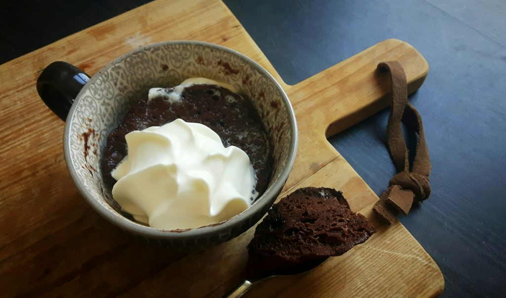 Koolhydraatarme mugcake choco-brownie - flowcarbfood.nl