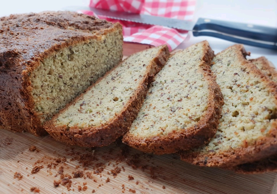 Koolhydraatarm brood uit de broodbakmachine (2)