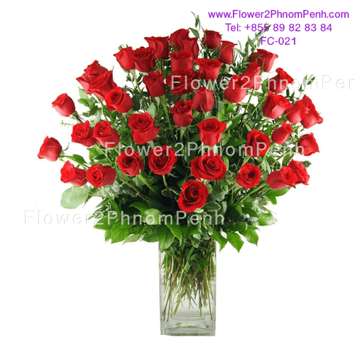 48 Red rose in glass