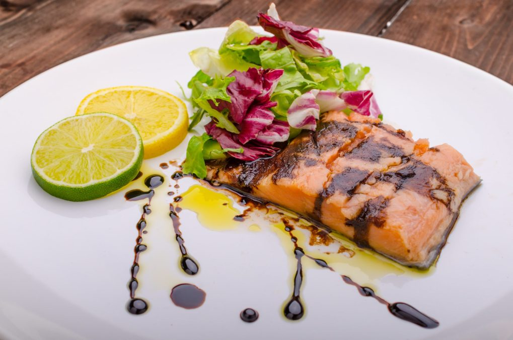 how to use balsamic vinegar as a reduction example - salmon glaze