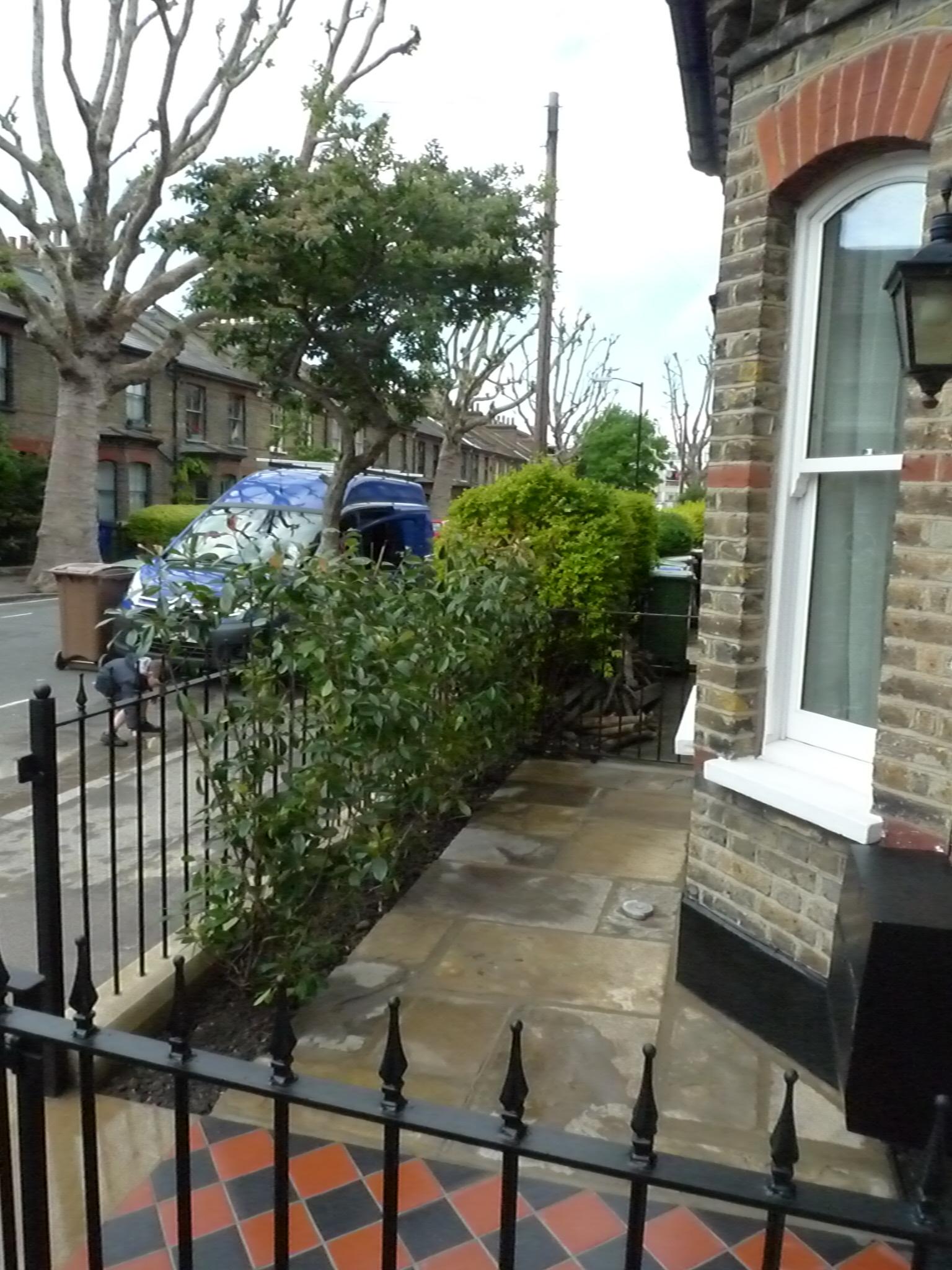 York Stone Patio And Reclaimed Yorkstone London Garden