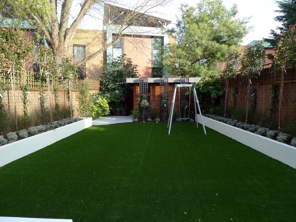Modern low maintenance minimalist garden design idea ... on Minimalist Backyard Design id=95970