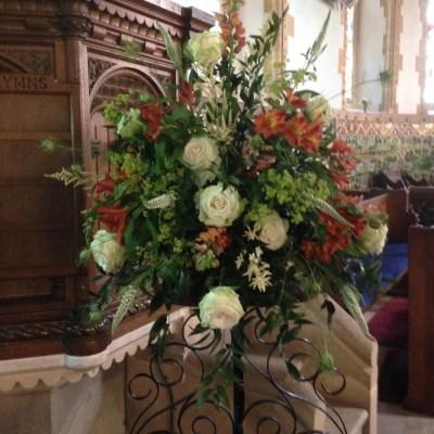 Pedestal arrragement by flowerjoy