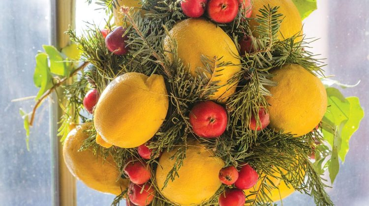 lemon kissing ball, how to make a kissing ball, christmas kissing ball