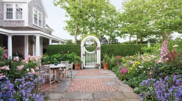 nantucket garden, nantucket cottage, bucktucket