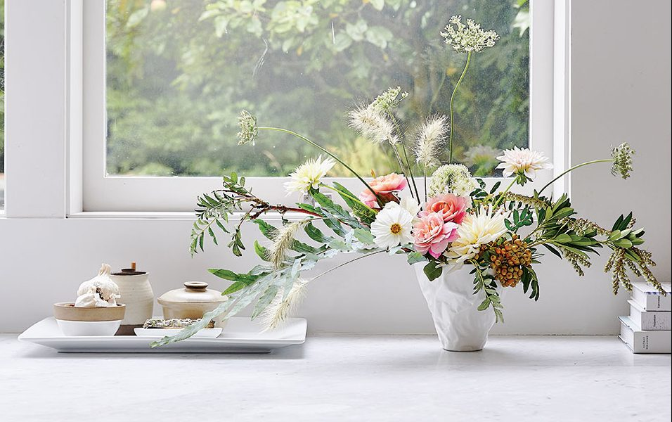 Learn About Summer Centerpieces And Bouquets, And How To Make Beautiful  Summer Flower Arrangements From Designers And Tastemakers In The Floral And  Event ...