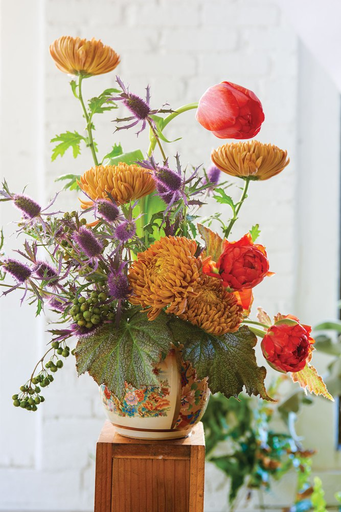 taylor patterson, fox fodder farm, fall mum arrangement
