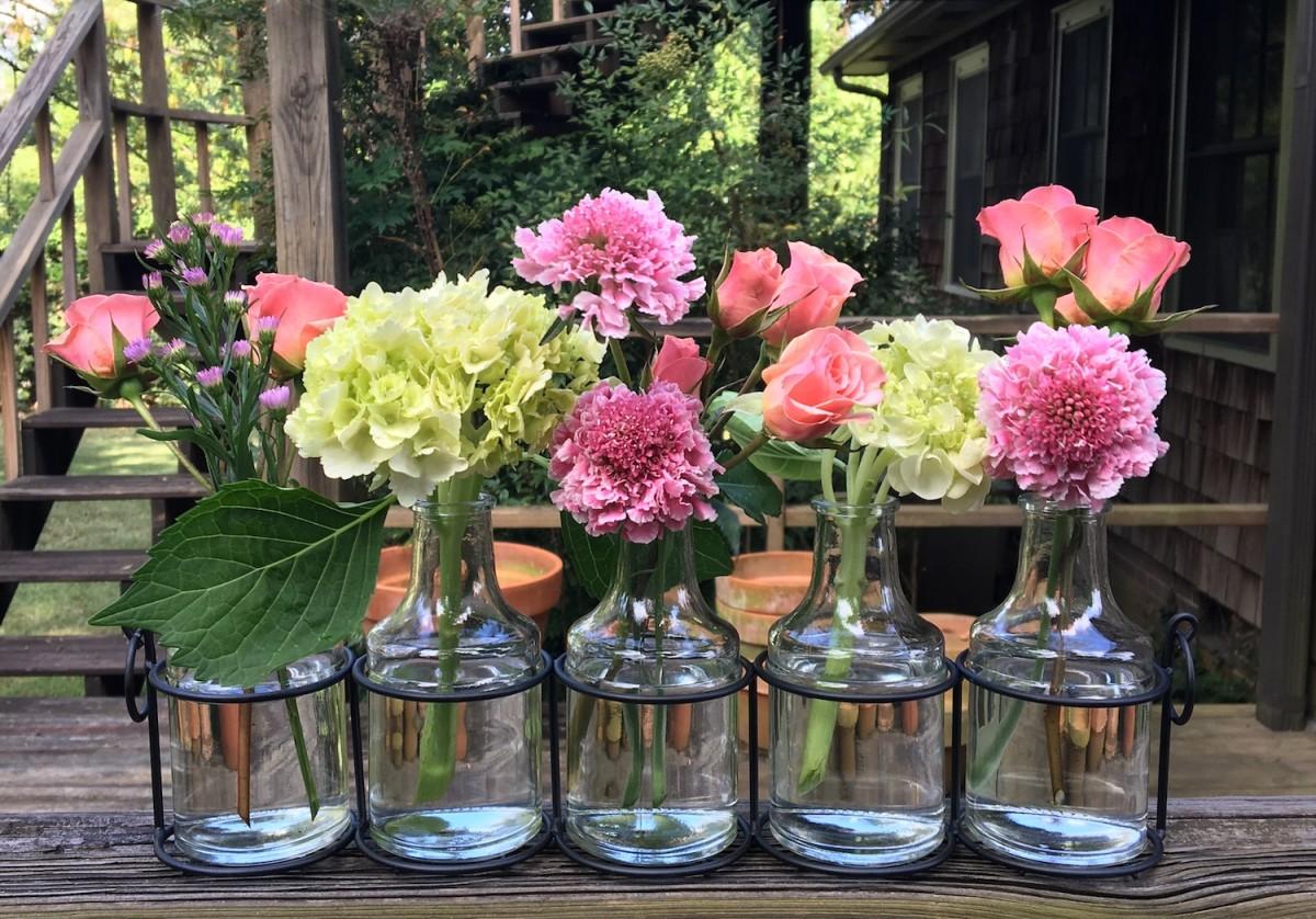 windowsill arrangement bud vases & Windowsill Arrangement - Bud Vases - Flower Magazine