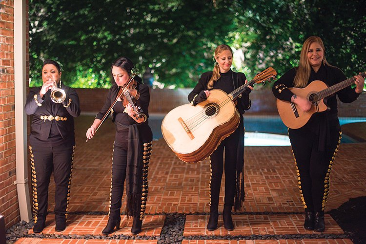 four-woman mariachi band