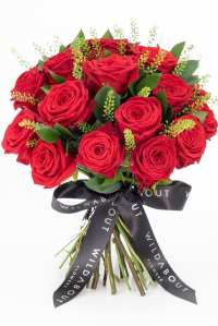 red roses bouquet valentines day