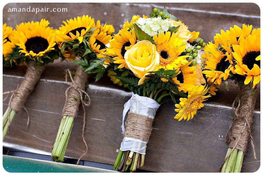 Sunflower + Wedding = Rustic Fun