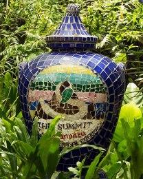 Summit-Garden-urn