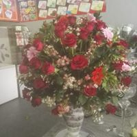 pottery roses #9= small 750, med 950, large 1250. also available pink, white, orange, yellow or mixed colours