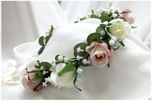 Flower Crown with champagne roses, gum leaves and gyp.