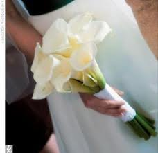 Classic White Mini Calla Lily Toss Bouquet