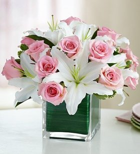 1-800-Flowers – Rose and Lily Cube Bouquet – Large