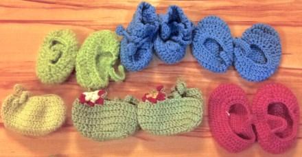 Crochet yarn baby booties