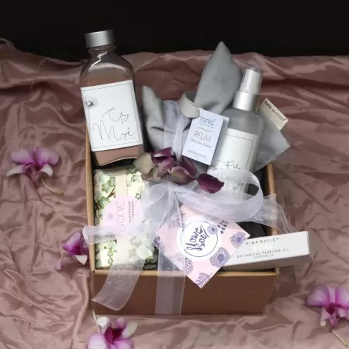Relax & Pamper Gift Box