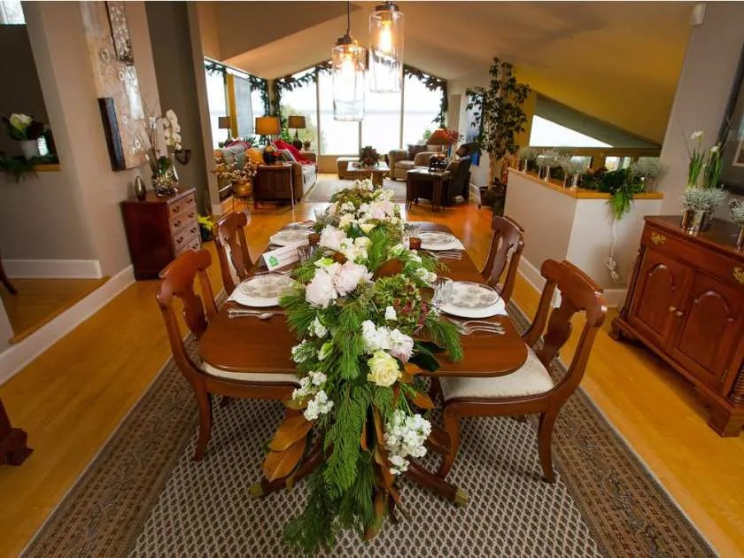 The elegant dinning room from last year's home