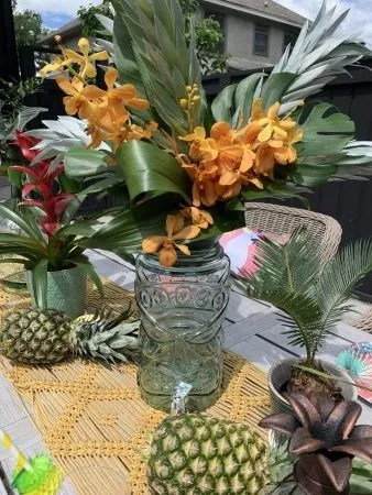 tropical drink decor