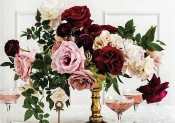 natural-garden-in-pedestal-vase