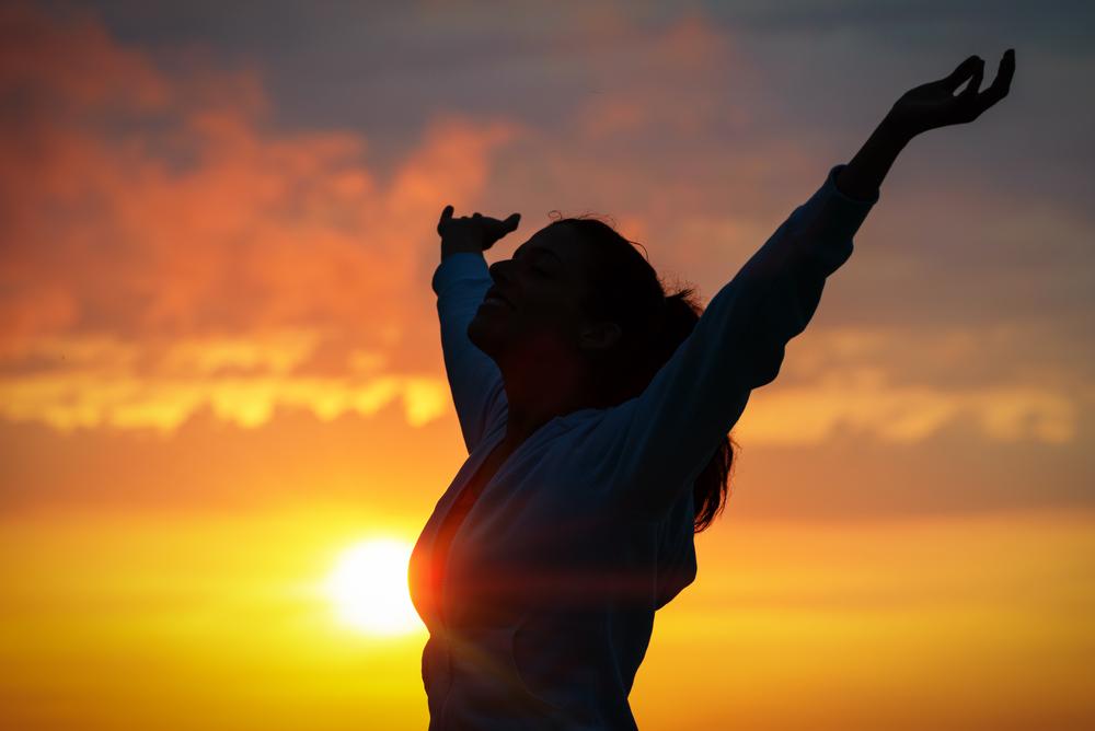 embrace-cosmos-gratitude-sunset-qigong