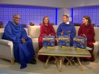 tdy-090204-cast-snuggie1